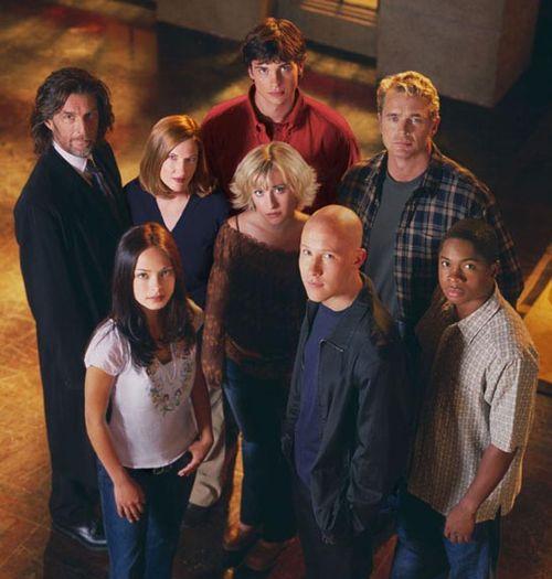 http://buffy-charmed.narod.ru/Smallville/Smallville-Cast-2002-Small.jpg